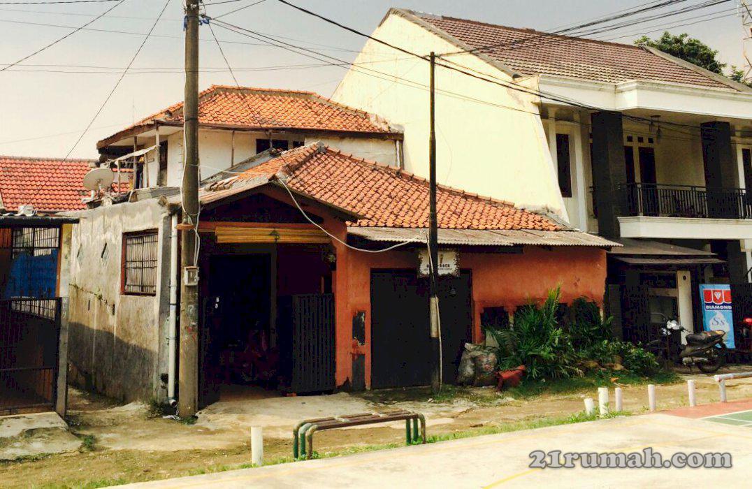 Rumah strategis dekat Aeon TB Simatupang